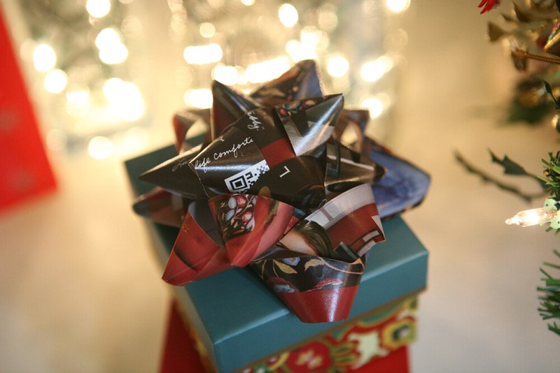 Green Christmas Gift Wrap is Recyclable or Reusable